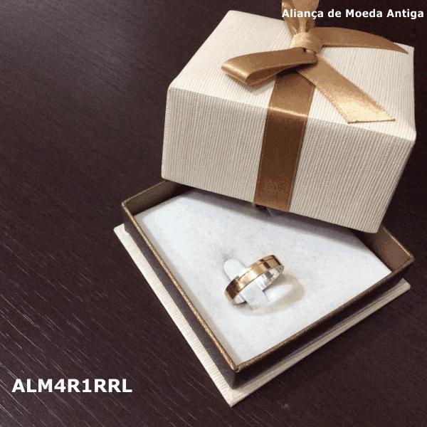 Aliança de Moeda Antiga Reta 4MM com Revestimento em Prata com 1 Risco Reto Lateral – ALM4R1RRL