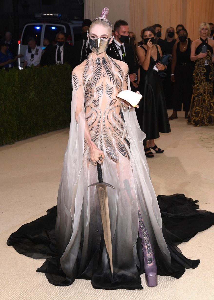 Hunter Schafer walking on the red carpet at the 2021 Metropolitan Museum of Art Costume Institute Gala celebrating the opening of the exhibition titled In America: A Lexicon of Fashion held at the Metropolitan Museum of Art in New York, NY on September 13, 2021. (Photo by Anthony Behar/Sipa USA)(Sipa via AP Images)