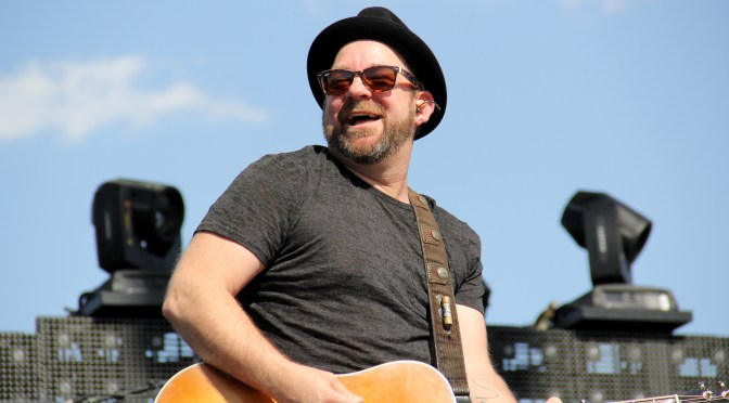 Photo Gallery: Kristian Bush Performs At Stagecoach