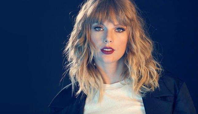Taylor Swift Nominated For 5 Billboard Music Awards!