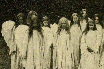 Slenko & McKeys album art, old photo of girls dressed as angels