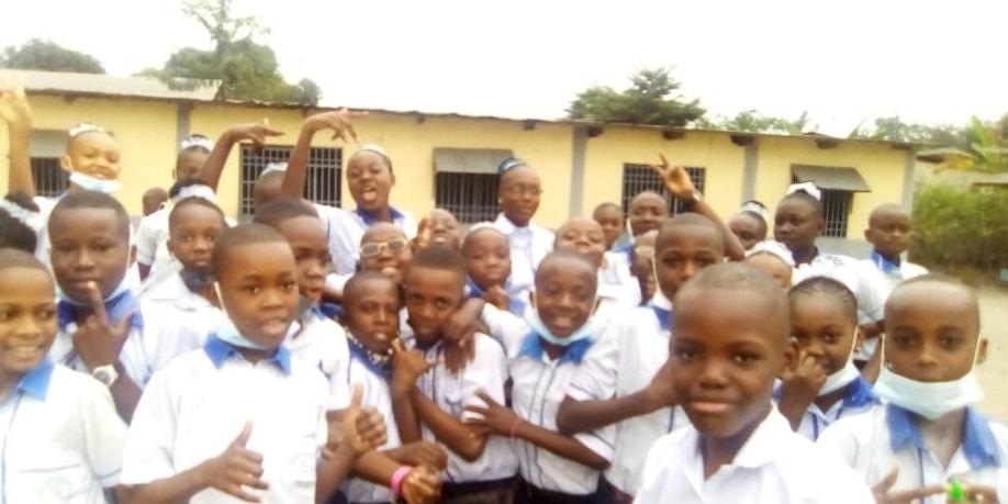 Écoliers de l'école primaire Sainte Thérèse/ Kinshasa/ RDC