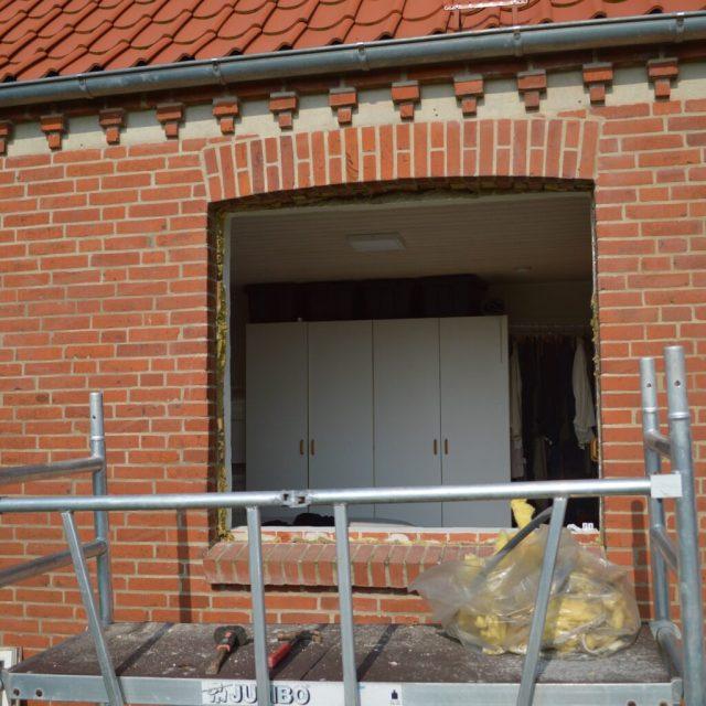Murhullet er klar til nye de nye vinduer.