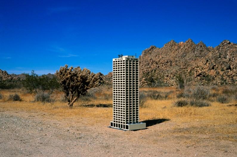 one wilshire desert 091304