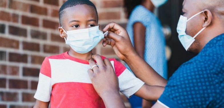 πώς να φορέσω μάσκα στο παιδί μου