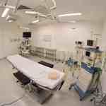 Centro cirúrgico altamente equipado