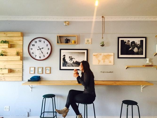 Рекламное агентство виполнит оформление ресторана, бара, кафе