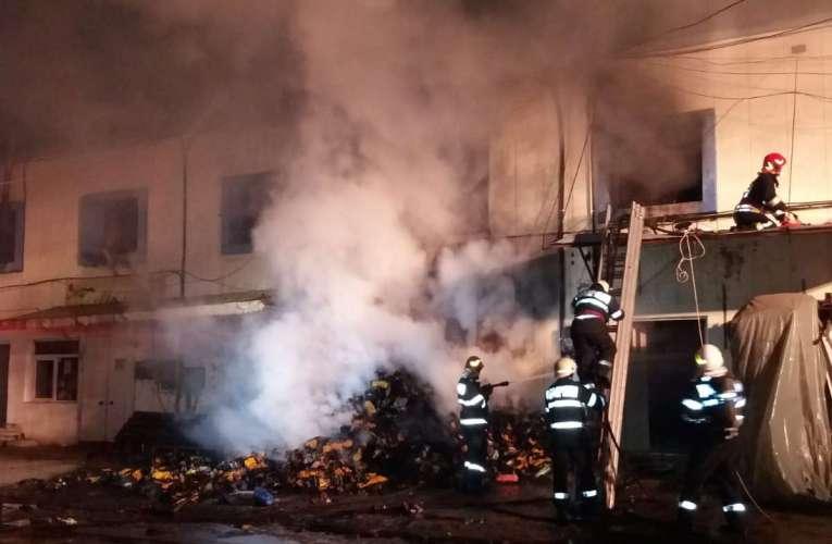S-a repetat povestea din 2017, au ars din nou depozitele Leguvas!