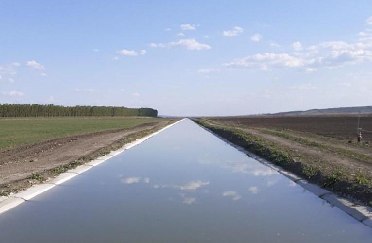 Mii de hectare de pe Valea Prutului, irigate printr-un sistem modernizat al ANIF Vaslui