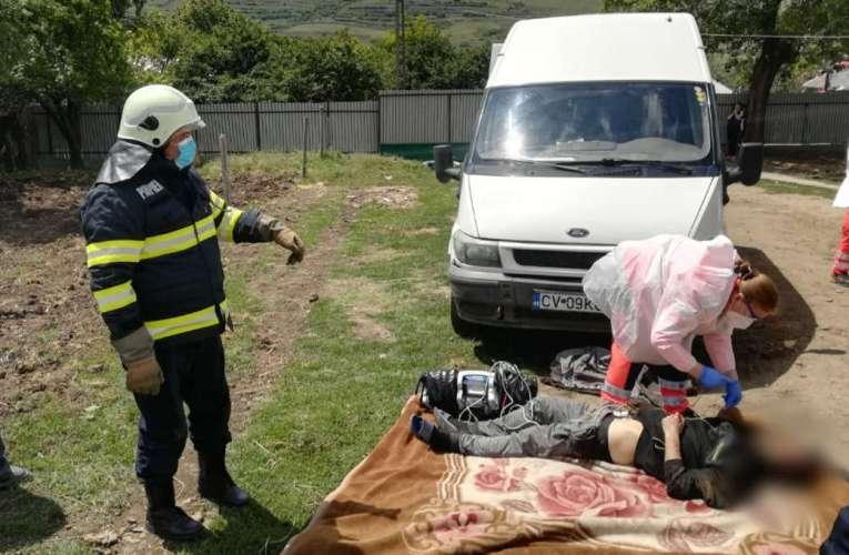 ȘTIRILE AMIEZII: A fost strivit sub mașina pe care o repara, la Iana!