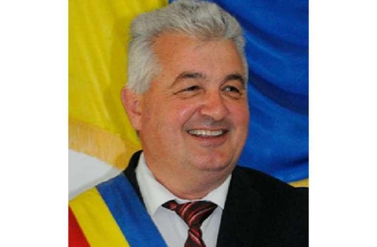 S-au încins spiritele la Drânceni, fostul primar se încaieră cu fiul deputatului Căciulă!