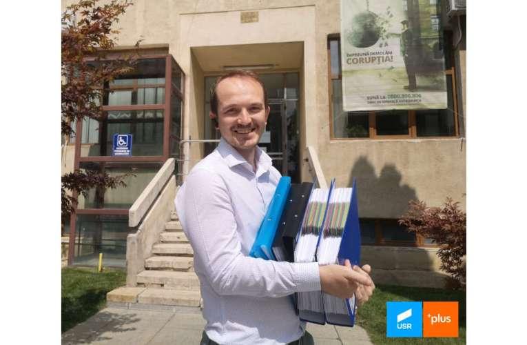 Prima ciocnire electorală. USR-istul șef Mihai Botez sare la gâtul liberalului Arcăleanu!