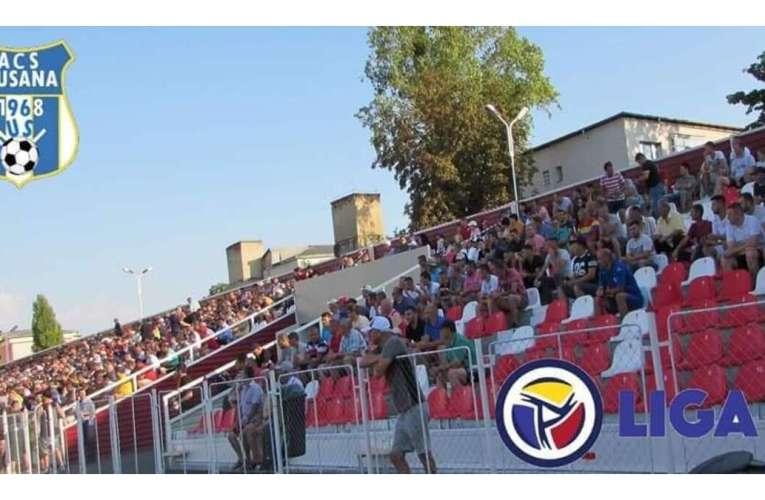 """Povestea scaunelor alb-roșii de la Stadionul Municipal Huși: """"NU are nicio conotație politică, nimic!"""""""