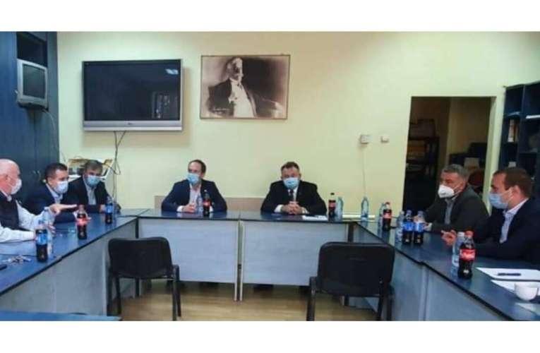 Tătaru și Botez îi declară război deschis lui Buzatu! S-a format coaliția Dreptei!