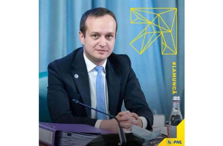 Ditamai scandalul în familia viitorului deputat PNL de Vaslui, Tudor Polak! Firma pe care a administrat-o a solicitat bani de la Guvern!