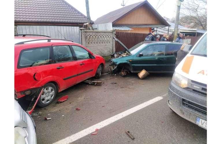Accident incredibil la Huși, pagubele sunt serioase!