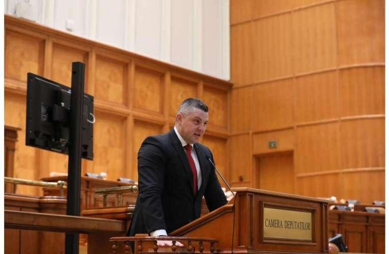 """Prima reacție, în cazul deciziei CCR de majorare a pensiilor cu 40%! Deputatul Popica: """"Ministrul Muncii respectă doar legile care îi convin!"""""""