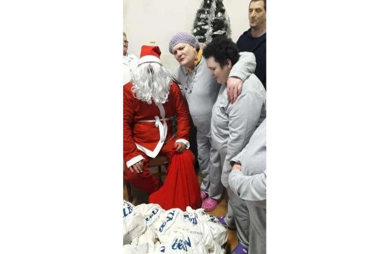 Vreți să faceți un gest creștinesc de Crăciun? Sunteți așteptați cu daruri la Spitalul Murgeni!