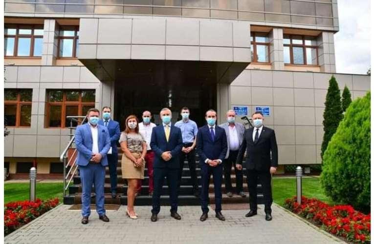 Război total în PNL Vaslui! Se cere demisia lui Tătaru!