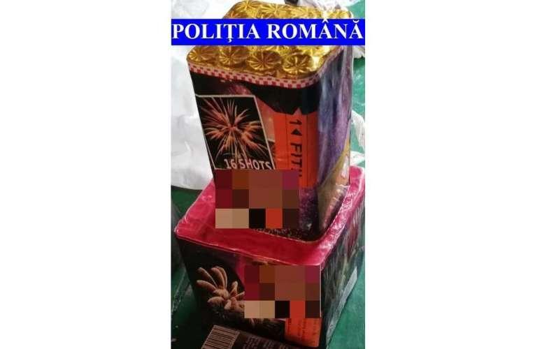 Două tone de materiale pirotehnice, confiscate de polițiștii vasluieni! Artificiile veneau în cutii, prin curierat rapid!