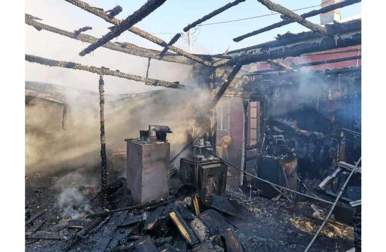 Incendiu devastator la Bârlad! Pagube de sute de mii de lei!