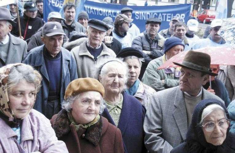 Vestea momentului pentru mii de pensionari vasluieni! Iată cu cât vor crește pensiile, în 2021!