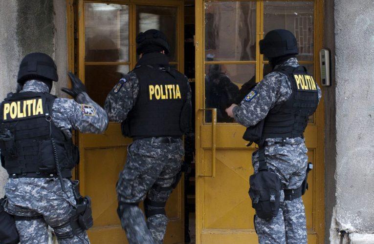 Percheziții la un lăutar din Negrești, căutat pentru infracțiuni economice! Și la Bârlad au fost percheziții la lăutari!