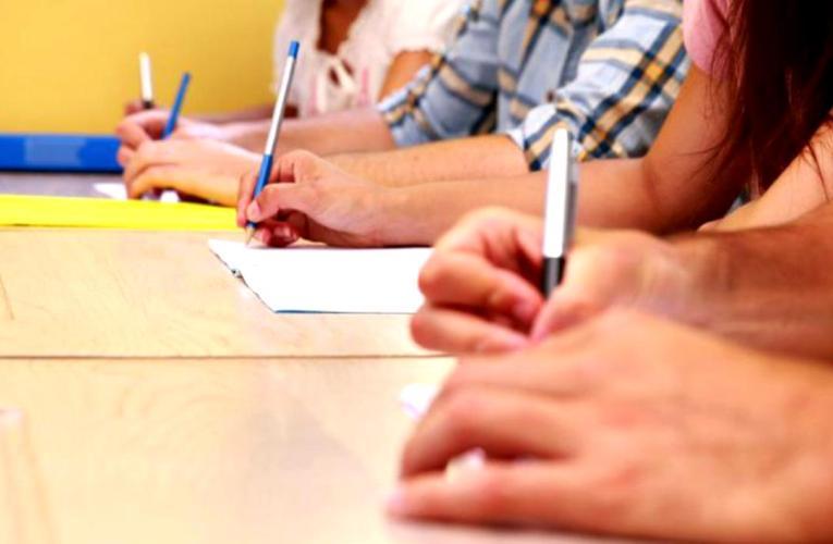 Aproape 640 de dascăli vasluieni se prezintă miercuri la examenul de titularizare! Nota minimă trebuie să fie 7!