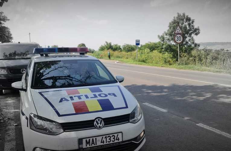 Un tânăr polițist din Botoșani a salvat de la moarte un bărbat de 66 de ani, din Roșiești! Polițistul a tăiat sfoara sinucigașului!