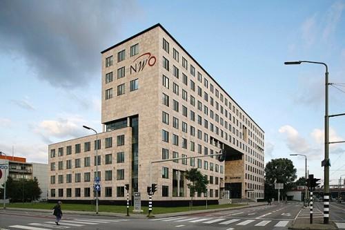 Deka verkoopt voor € 360 mln Nederlandse kantoren aan Fortress