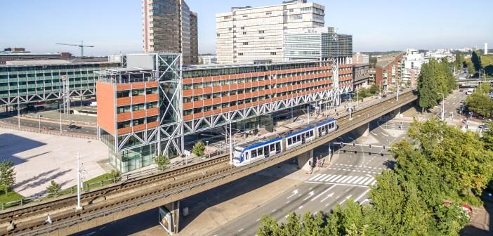 Rijksvastgoedbedrijf koopt kantoor Bruggebouw Oost in Den Haag