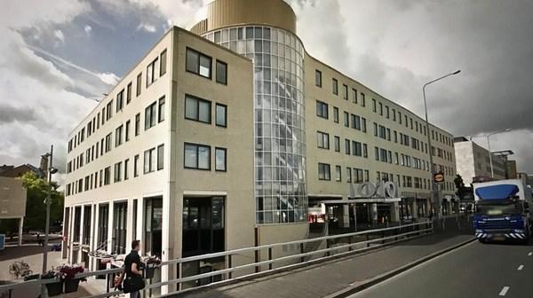Doniger en Camelot kopen kantoorgebouw aan Bijlmerdreef in Amsterdam Zuidoost