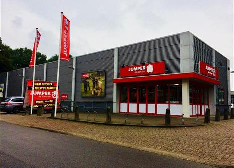 Jumper huurt 1.626 m² winkelruimte en 20 parkeerplaatsen in Amersfoort