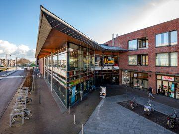 Leyten verwelkomt Action en lokale ondernemers in winkelcentrum Ravelijn Zeewolde