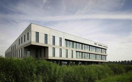 Rudolf Veldhoven Exploitatiemaatschappij B.V. verkoopt Gouwelandenlaan 11 in Alphen aan den Rijn