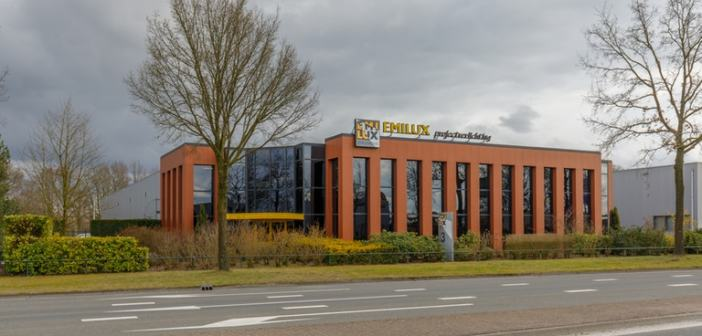 Bedrijfsruimte aan de Bleskolksingel 3 Almelo verhuurd aan Dirksen Bedrijfskleding B.V.
