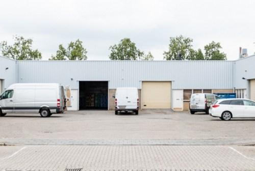 Particuliere belegger koopt 2 bedrijfsgebouwen op bedrijventerrein Hordijk Oost Rotterdam