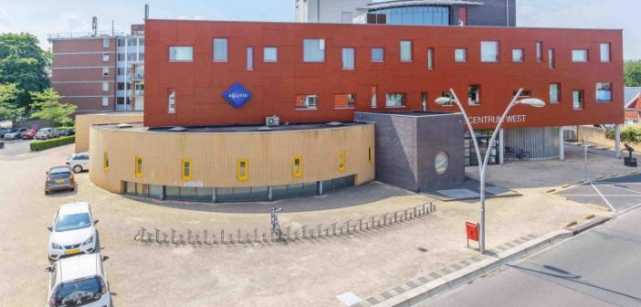 Zorg en begeleid wonen in voormalig kantoorpand Servicecentrum West in Enschede