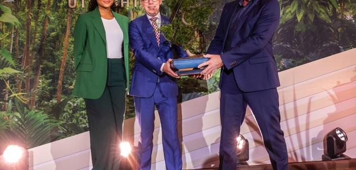 André Kuipers opent Central Park: duurzaam kantoor mét eigen park in hartje Utrecht