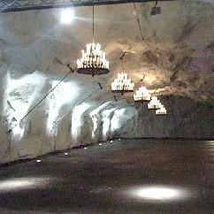 Finnboda, Nacka: Äventyrskontorets festlokalker i ett bergsrum