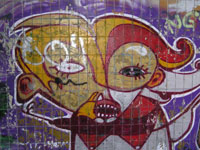 Graffitti på betong nedanför Henriksdalsberget mot Svindersviken