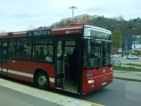 Buss 71 stannar på Kanalvägen i Henriksdalshamn