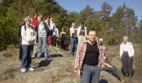 Uppställning på utsiktsplatsen i Trolldalen mot Gäddviken