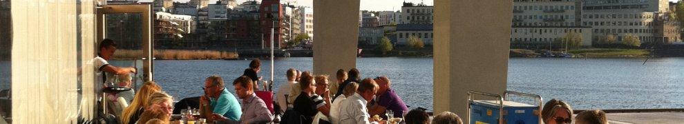 ZeeSides uteservering på Henriksdalskajen i Henriksdalshamnen