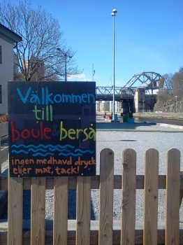 Boule & Bersås boulebanor under Danviksbron
