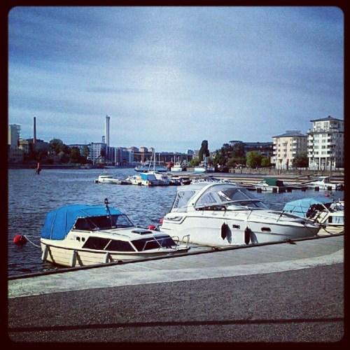 Henriksdalshamnen, Stockholm: Marinan på Jan Inghes torg
