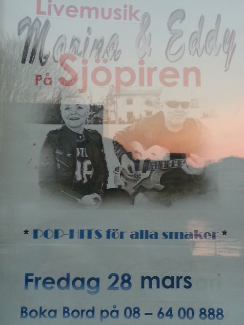 Marina & Eddy spelar på Sjöpiren i Henriksdalshamnen