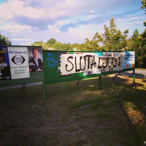 Saboterad anslagstavla i Henriksdal inför kommunalvalet 2014 i Nacka