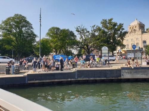 30 personer fick inte gå på Sjövägen i Nybroplan