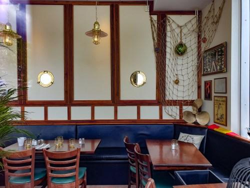 Interiör på spansk restaurang på Jan Inghes torg i Henriksdalshamnen
